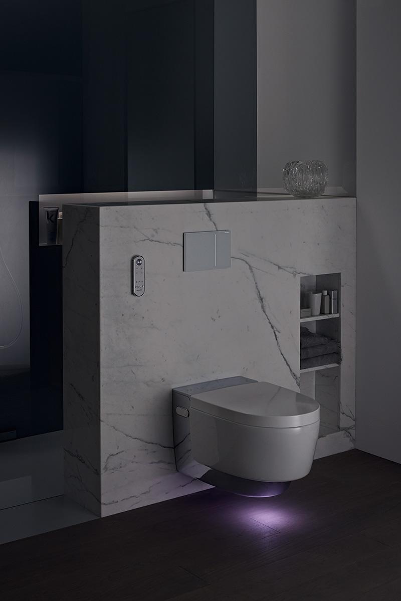 Dusch-WC mit Orientierungslicht